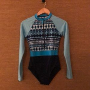 Lands End Long Sleeve Women's size 6 swimsuit.